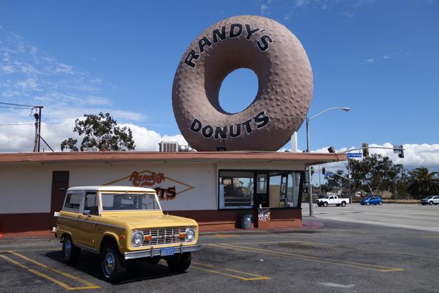 1974 Bronco Ranger at Randy's Donuts