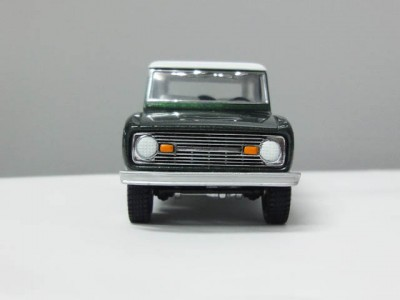 mbcollectible_1966fordbroncogreen_3