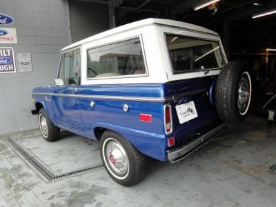 1976FordBroncoSport06-800x600