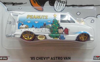 HW PEANUTS 'SNOOPY' '85 CHEVY ASTRO VAN2